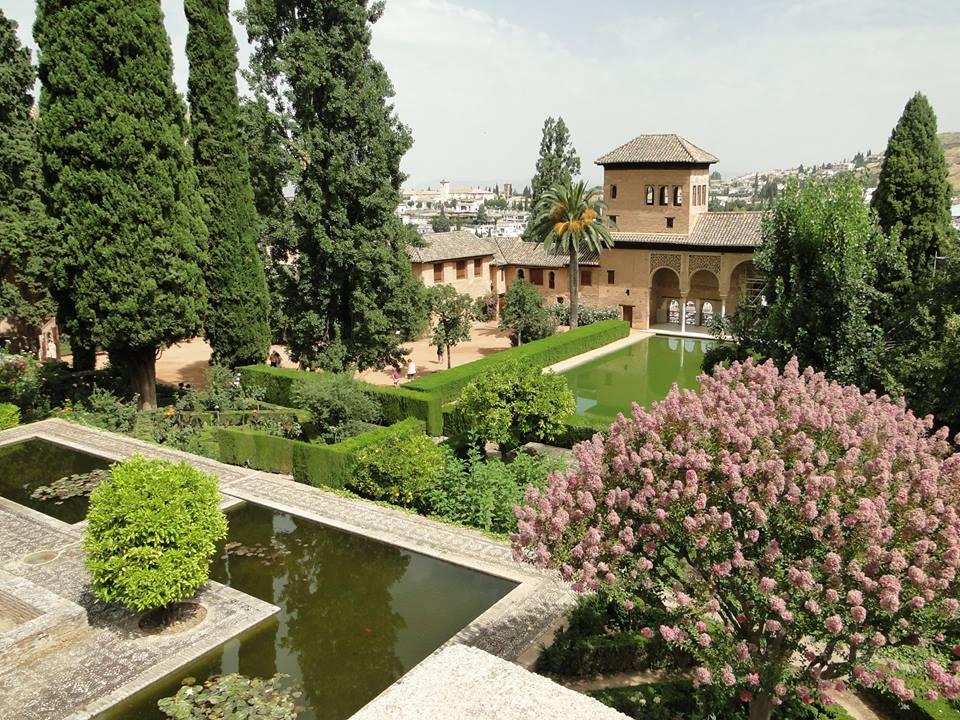 Jardines y palacio del generalife entradas para la alhambra for Jardines de gomerez granada